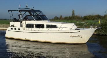 Aquastar 4 te huur bij Yachtcharter 20000