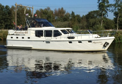 Aquastar-10-van-Yachtcharter-2000-Heerenveen-430x295