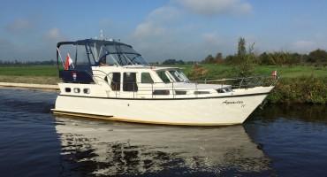 Aquastar 11 van Yachtcharter2000 te Heerenveen