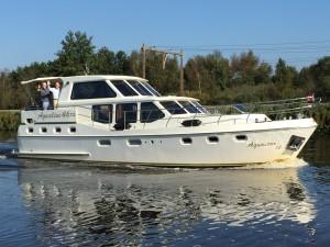 Boot huren in Friesland? Kies voor de Aquastar 14 van Yachtcharter 2000