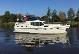 Aquastar 7 verhuurd door Yachtcharter 2000