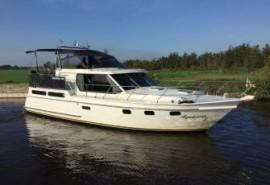 Aquastar 8 te huur bij Yachtcharter 2000